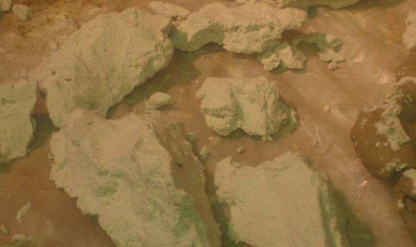posizionamento rocce sul presepe