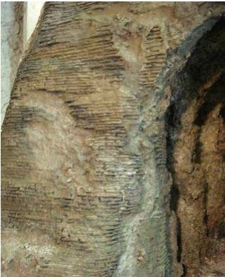 Incisione polistirolo per un muro romano